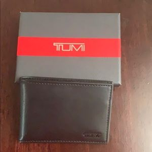 Tumi wallet - brand new